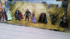 SEIGNEUR DES ANNEAUX Lot de 8 figurines avec accessoires TBE