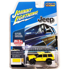JOHNNY LIGHTNING JLCP7046 CLASSIC GOLD OFF ROAD JEEP CHEROKEE XJ 1/64 YELLOW