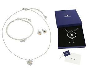 New in Gift Box SWAROVSKI 5518146 Eternal Flower Set Earrings Necklace Bracelet