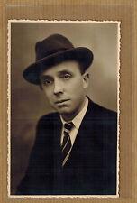Carte Photo vintage card RPPC homme costume cravate chapeau borsalino kh0341