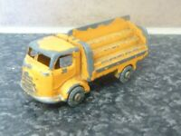 LESNEY MATCHBOX No.37 KARRIER BANTAM 2 TON YELLOW BODY MADE IN ENGLAND