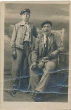 Photo-carte homme et garçon père et fils mode casquettes mode boy man famille