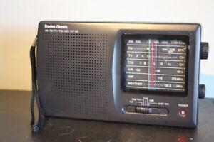 Radio Shack Portable Multiband Radio 12-456 AM/FM Air Traffic Tested Works VHF