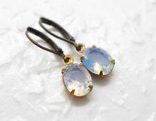 Ohrringe MONDJUWEL handmade Opalglas weiß Mond Glasstein Messing Vintage Stil