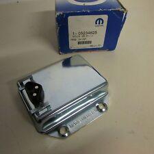 Regolatore tensione 05234625 Chrysler LeBaron 1984-1989 nuovo (17867 17A-2-C-3)