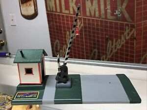 Vintage S SCALE AMERICAN FLYER #592A CROSSING GATE Restored Mint