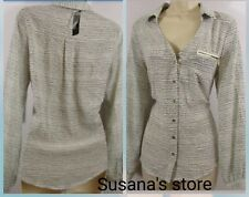 NWT BEBE DARCIE LONG SLEEVE BLOUSE SIZE M Gorgeous and classy, very detailed!
