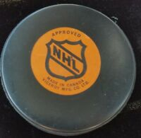 NORDIQUES QUEBEC  VINTAGE VICEROY made in CANADA NHL APPROVED OFFICIAL GAME PUCK