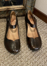 Taos Samba Brown Leather Mary Janes Size 9