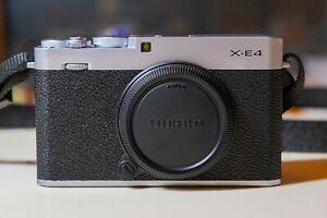 Fujifilm X-E4 26,1MP Fotocamera Mirrorless - Argento (Solo Corpo) - 1200 scatti