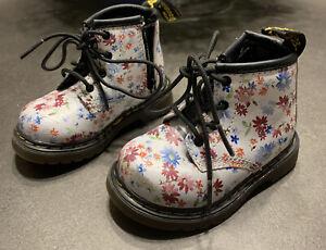 Dr. Doc Martens Youth White Floral Delaney Side Zip Boots Toddler Girls Sz 4 US