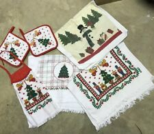 Vintage Christmas Hand Towels With 2 Pot Holders