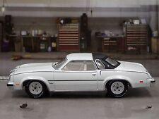 1977 OLDSMOBILE CUTLASS SUPREME WHITE 1/64 DIECAST COLLECTIBLE MODEL CAR