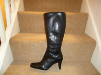 BEAUTIFUL LEATHER BROWN LADIES HEALED BOOTS SIZE 7
