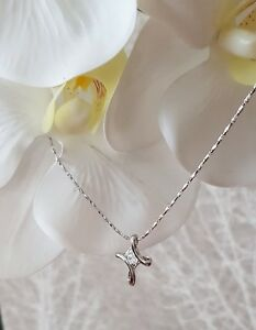 Stamped 925 Silver Cross Cubic Zirconia . 18 inch Necklace. UK Jewellery.