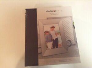Sealed Nixplay Iris 8 Inch WiFi Cloud Digital Frame (Silver Silk Metal Finish)