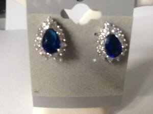 STUNNING STERLING SILVER SAPPHIRE/CLR COLOURED CZ STUD EARINGS