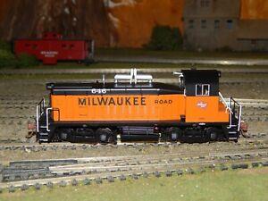 Rapido Trains #27536 Milwaukee Road EMD SW1200 #646 DCC/Sound NEW