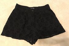 Forever 21 Beautiful Flower Lace Short Shorts Ladies Size Small Button Front