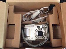 Pentax-Optio-30-3-2-MP-Digital-Camera-CRV-3x Zoom lens Nice photos!