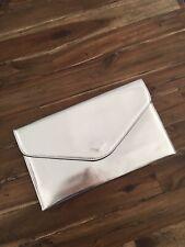 Silberne Clutch / Handtasche