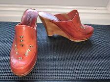 Beautiful Vintage Thom McAnn Mahogany Wedge High Heel Leather Clogs Sz7