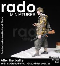 RADO MINIATURES WAFFEN SS PZ.GRENADIER W/STG44 35011 1:35