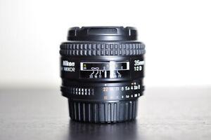 Nikon AF 35mm F2 D Prime FX Lens - MINT!
