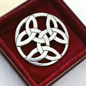 VINTAGE SIGNED SJC MADE IN CORNWALL TRIPLE CELTIC PLAID KNOT PEWTER PIN BROOCH