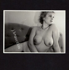 Beautés nude woman recling/plantureuse nue sur canapé * VINTAGE 80 s risque Photo