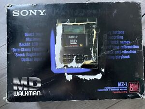 Sony minidisc MZ-1 Player/recorder. Used With Original Box And Carry Case