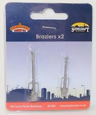 OO 1:76 44-550 Bachmann Scenecraft 1 x Pack of 2 Braziers New FNQHobbys