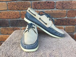 R. M. Williams Mens Boat Shoes 10.5