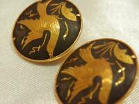 Super Pretty Dove Damascene Black Gold Tone Clip Earrings Vintage 50's 170S9