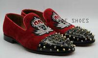 Chaussures à la main en velours rouge et cuir verni noir à semelles brodées à en