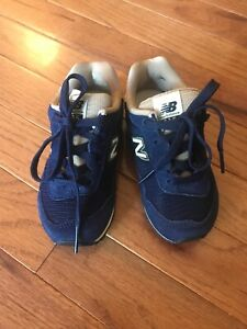 New Balance 515 Boys Navy New Size 7