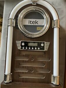 Itek Table Top Dukebox Style CD Player/ Radio/ LED Lights/ Remote
