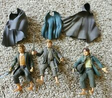 3 Lord of the Ring Figures - With Cloaks and Weapons - Free Shipping