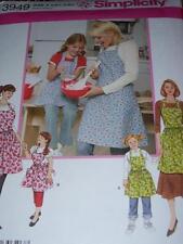 SIMPLICITY #3949 - SUPER CUTE MOTHER & DAUGHTER FULL BIB APRON PATTERN  SM-LG uc