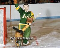 70 - 71 NHL California Golden Seal Goalie Bob Sneddon Pretzel Mask  8 X 10 Photo