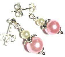 Pendientes de cristal rosa corto Delicada Perla Bead Gota Colgante Mariposa Stud UK