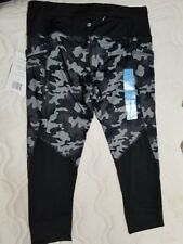 Active Life Black and Grey Camo Capris Crops Size Large