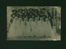 Photo ancienne carte postale communiantes et enfants en costume 1930