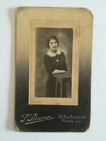 A075 CDV Photo circa 1900 femme en pied Studio Lebaoun Paris