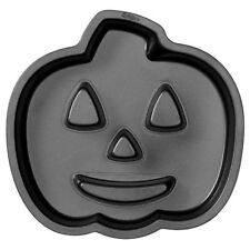 2105-0679 - Jack-O-Lantern Fluted Cake Pan by Wilton