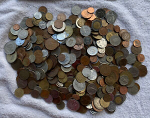 2kg World and Australian Coins. Perfect for Noodling Lot AU