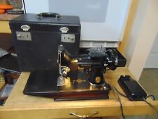 vintage/singer 221 featherweight sewing machine in case   #  5918