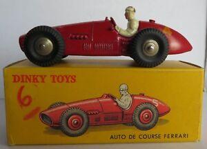 Dinky 23J Auto Course Ferrari N°4 Rouge Vif 1ère Version Calandre Lisse + Boîte