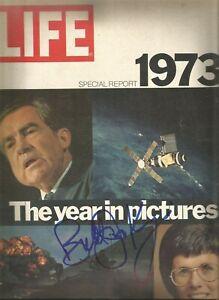 TENNIS LEGEND BILLIE JEAN KING SIGNED 1973 LIFE MAGAZINE HOF 4X US OPEN CHAMPION
