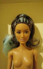Nude FASHIONISTA #72 BRUNETTE HAIR W / TURQUOISE STREAKS BARBIE (NUDE DOLL ONLY)
